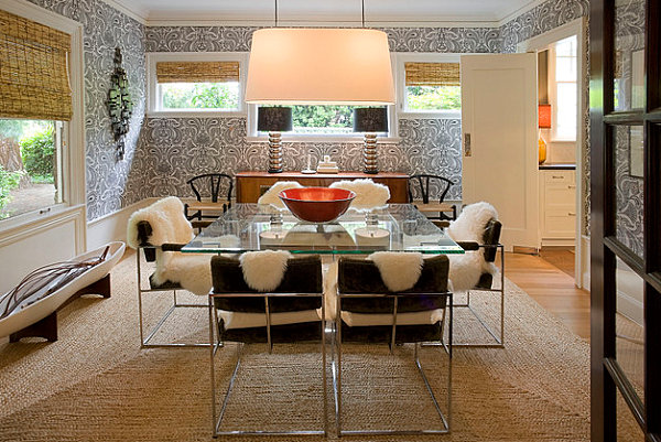 Paisley wallpaper in a modern dining room