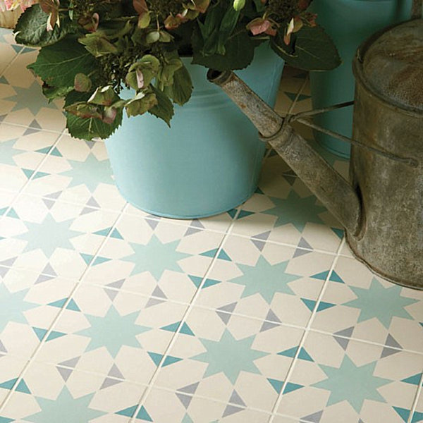 Patterned ceramic tile