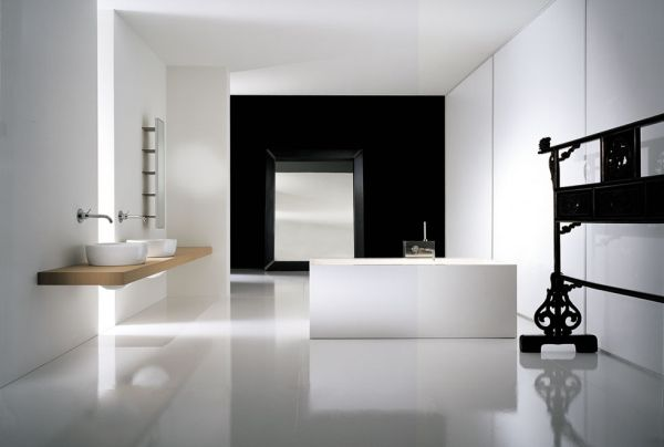 Ultra minimalistic bathroom in neutral tones