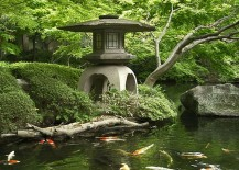 Use of colored carp and gold fish in the koi ponds along with stone lantern