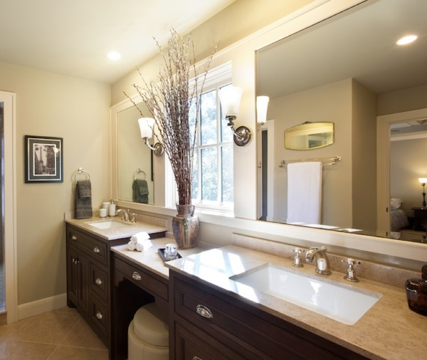 Choosing the ideal bathroom sink for your lifestyle for Pictures of bathrooms with double sinks