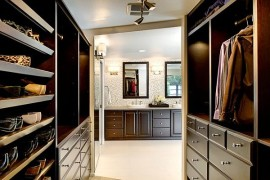 Beautiful closet organization for winter