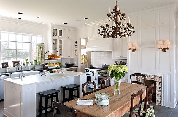 17 kitchen tables with subtle charm for Beautiful traditional kitchens