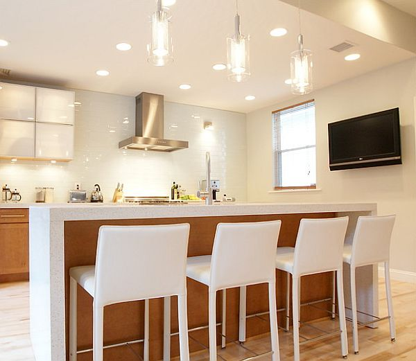 Bright contemporay kitchen with beautiful lighting