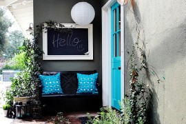 How to Bring Spring Colors into Your Front Entry