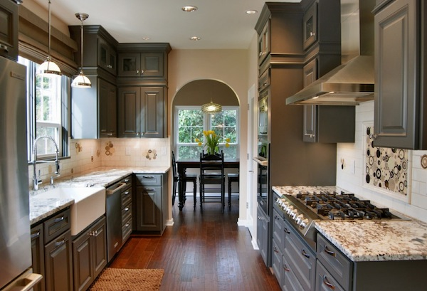 Change the dynamics of your kitchen with colorful cabinets
