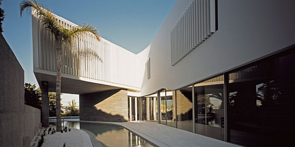 modern psychiko house in Greece 3