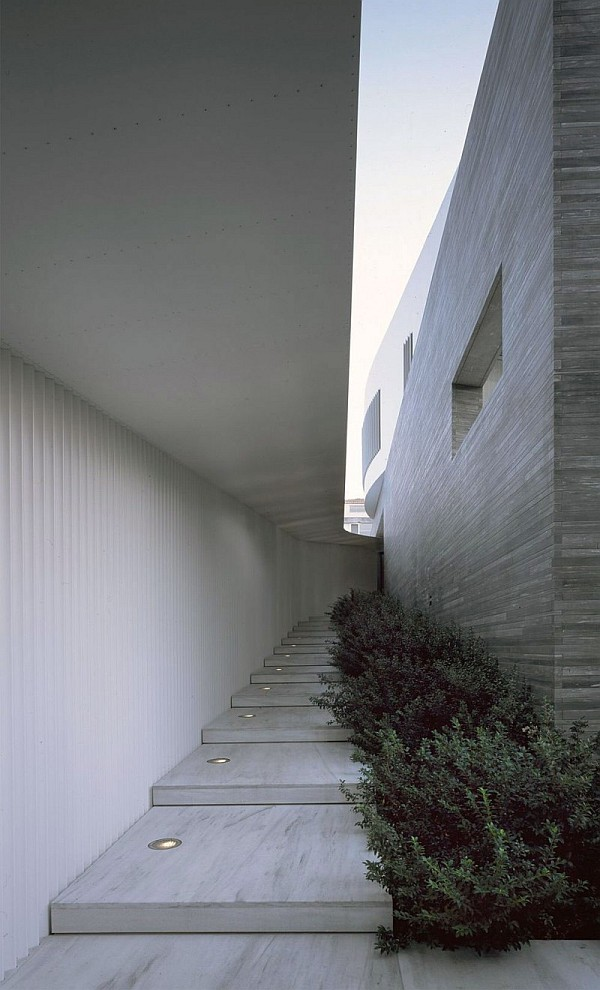 modern psychiko house in Greece 5