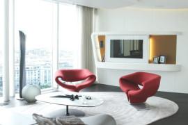 Refined Russian Penthouse Amalgamates Extravagance and Elegance