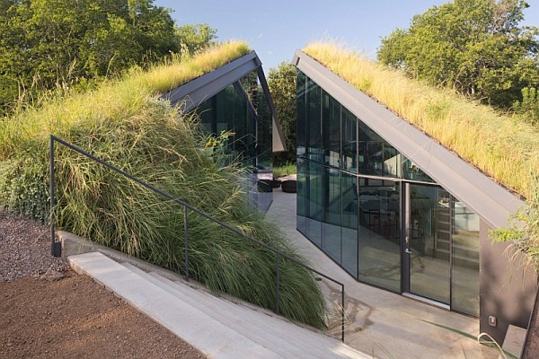 undeground house design Underground House Encased in Glass Offers a Modern take on Native American Pit House