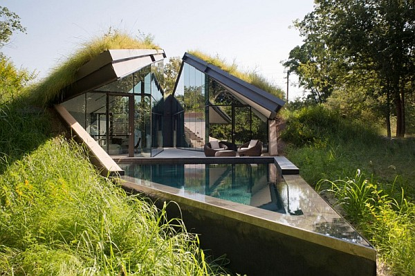 Underground House Encased in Glass Offers a Modern take on Native ...