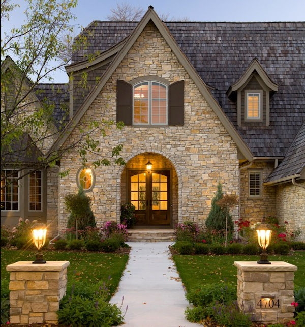 Mediterranean Style Home With Fantastic Curb Appeal: Winter Front Landscaping Ideas For Great Curb Appeal