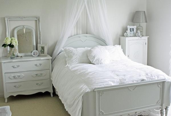 winter guest room romantic