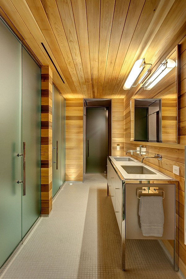wood furnished bathroom - montreal