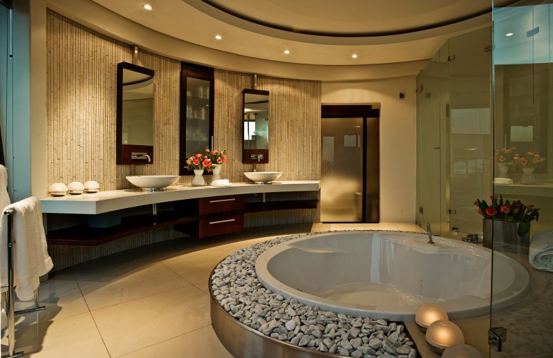 Dazzling modern south african home charms with elegant for South african bathroom designs