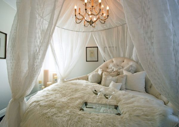 Classic bedroom with a charming circle bed setup