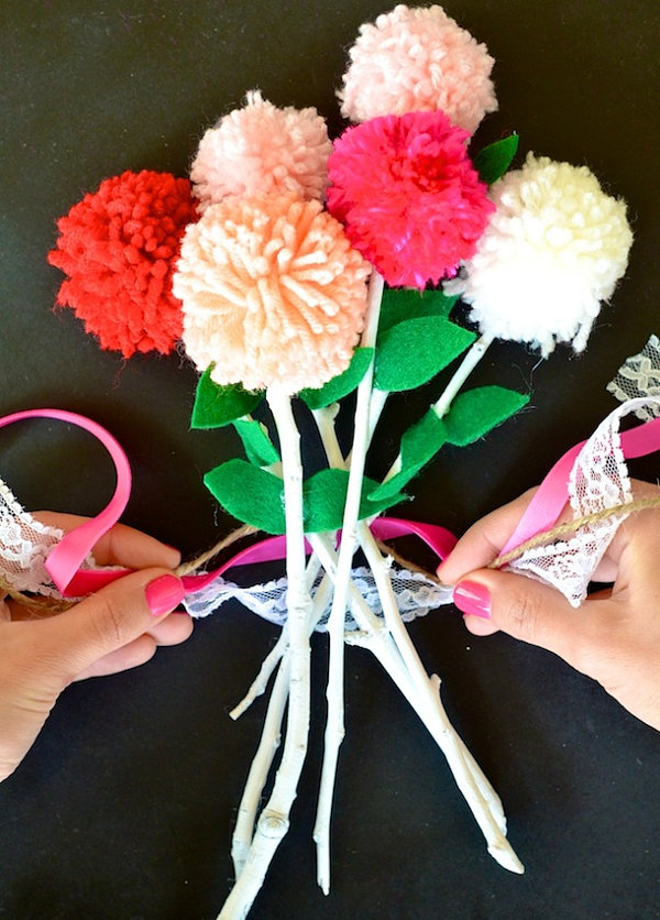 Colorful pom pom flower DIY