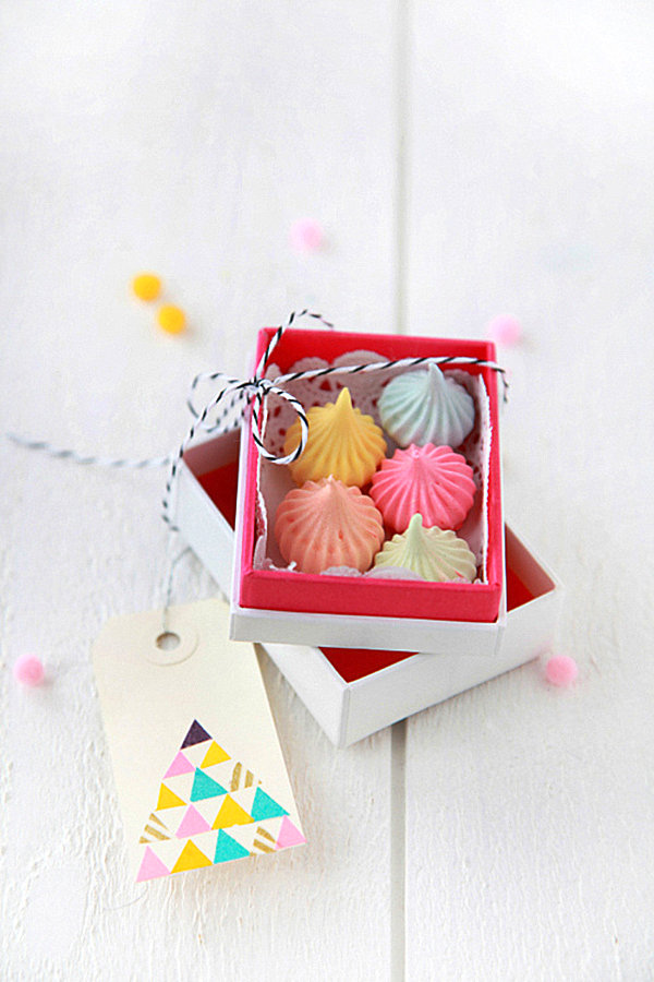 DIY box of meringues