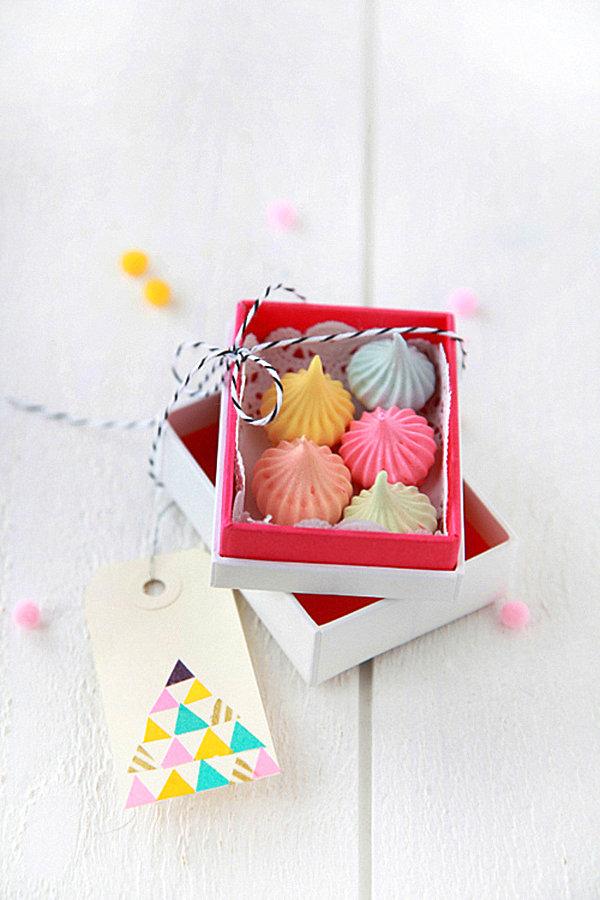 DIY box of meringues
