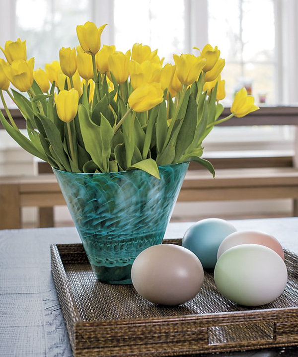 Easter centerpiece featuring ombre eggs 10 Festive Easter Table Settings