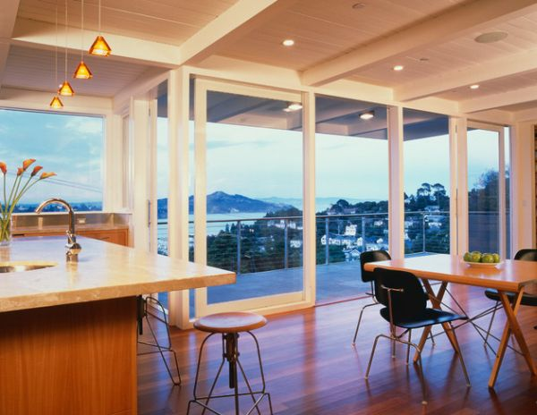 Kitchen and dining area with a view thanks to sliding glass doors
