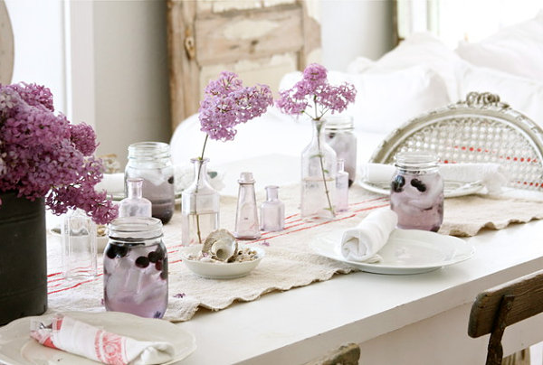 Lavender table setting 20 Colorful Spring Party Ideas