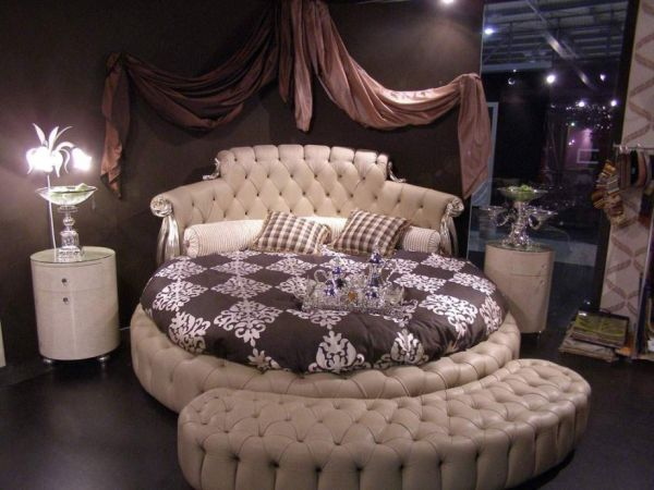 27 round beds design ideas to spice up your bedroom. Black Bedroom Furniture Sets. Home Design Ideas