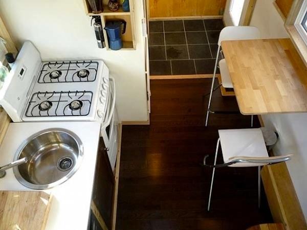 Leaf House kitchen
