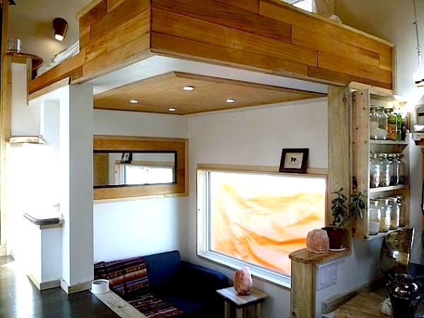 Leaf House on wheels interior view