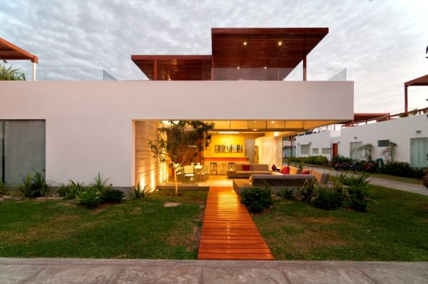 Lima house Exotic Seta House in Peru Showcases An Extravagant Lifestyle