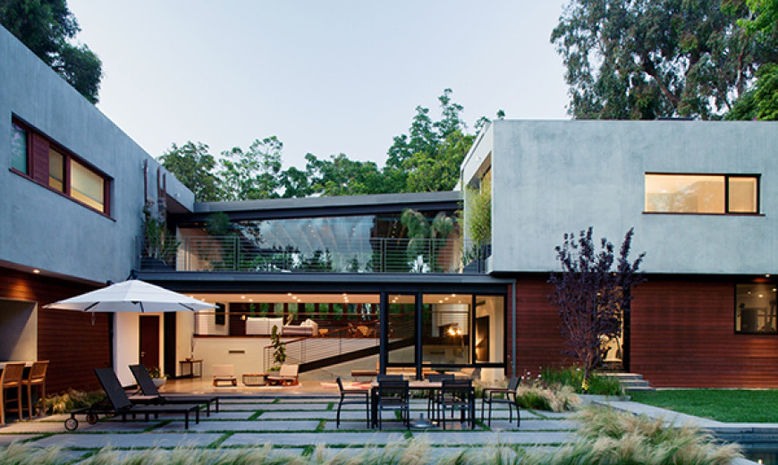 Refined Los Angeles Residence Surrounded With Charming Landscape