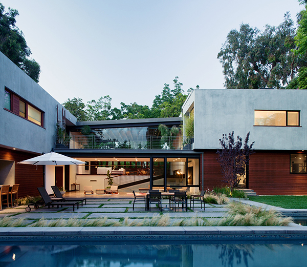 Los Angeles Residence Refined Los Angeles Residence Surrounded With Charming Landscape