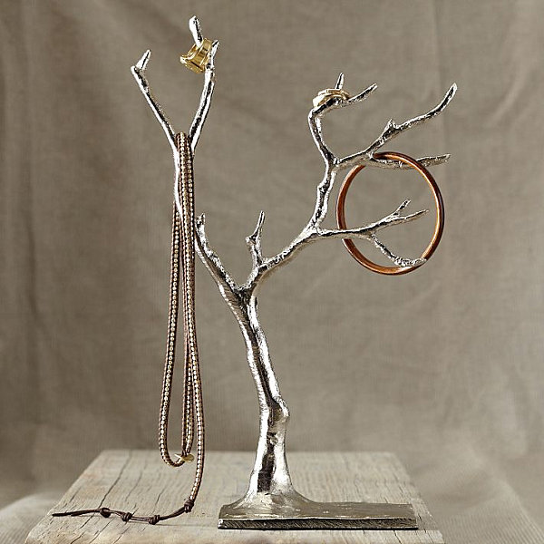 Metal jewelry tree