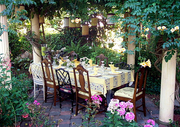 20 colorful spring party ideas for Outdoor dinner party decorating ideas
