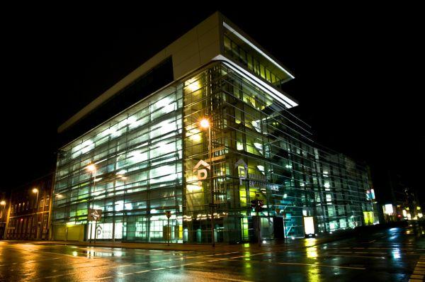 Parkhaus Engelenschanze at night