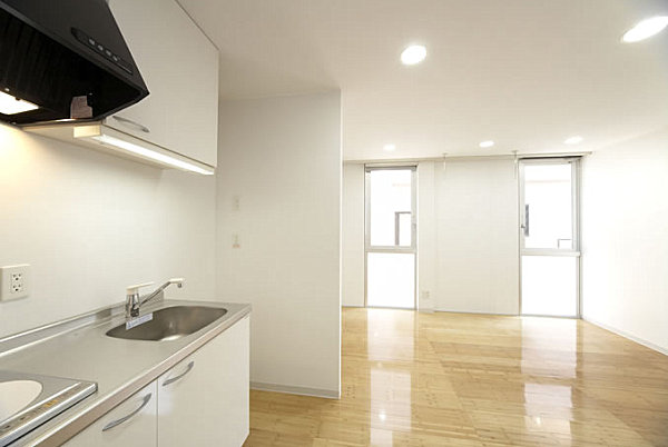 Sankyo modular housing interior