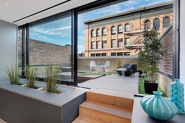 Ultra modern deck garden