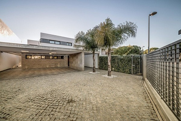Vilamoura House 1 Lavish Modern Residence in Faro Charms With Its Spacious Contemporary Interiors