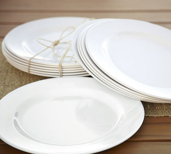 White melamine outdoor dinnerware
