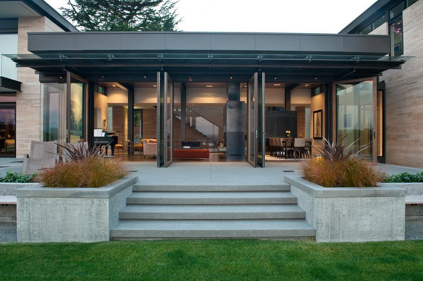 beatufiul home washington lake views Washington Park Hilltop Residence Incorporates Fluid Form With Contemporary Charm!