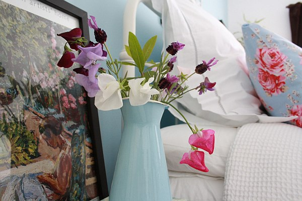 Colorful bedroom flowers