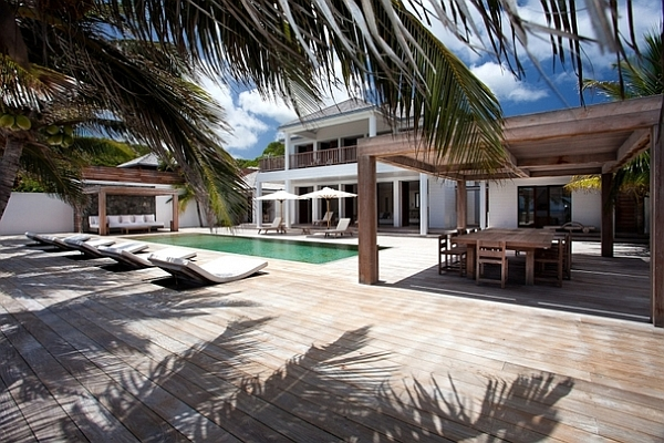 inner garden and pool