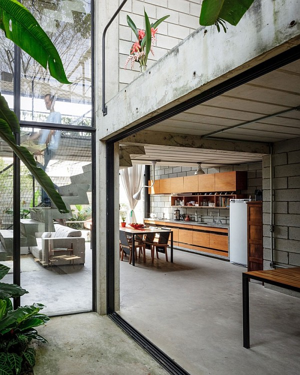 maracana house sao paulo 2 Maracanã House in Sao Paulo Brings a Touch of Green to The Urban Jungle