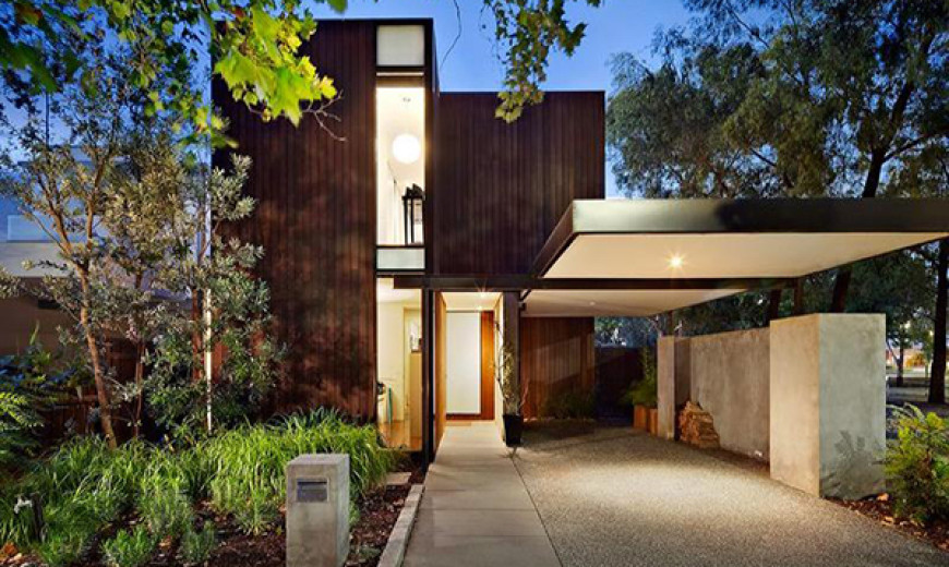 Modern Home in Melbourne by Robert Simeoni Blends Simplicity With Style