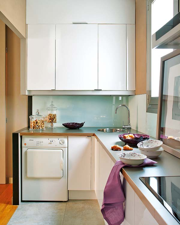Traditional Corner Kitchen Design