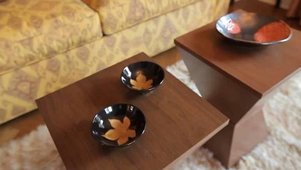 trendy classic living room - Michelle Slovak