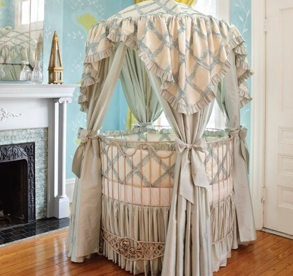 Addison Floral round crib ideal for a room with traditional theme