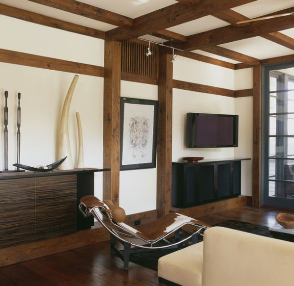 Asian themed living room with the LC4 chaise lounge at its heart