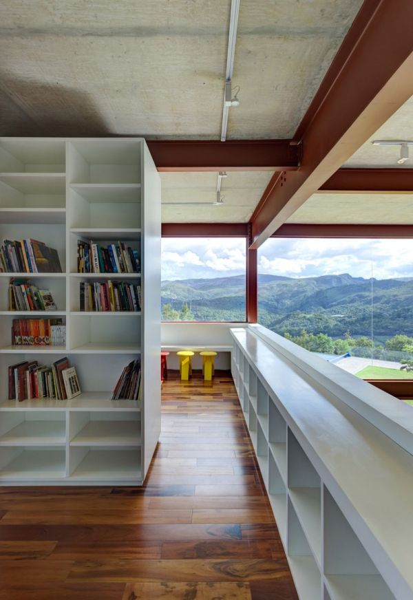 Bookshelf in white for the modern home