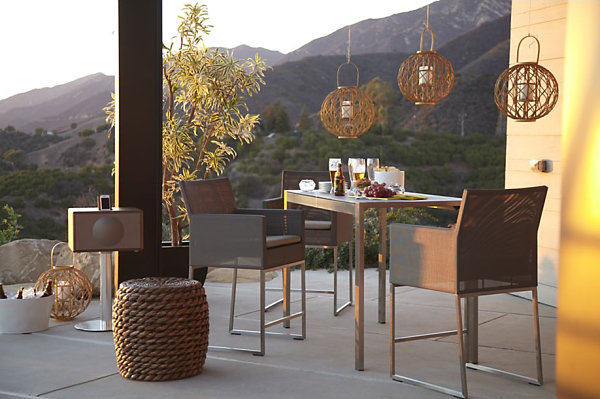 Boxy outdoor dining table and chairs
